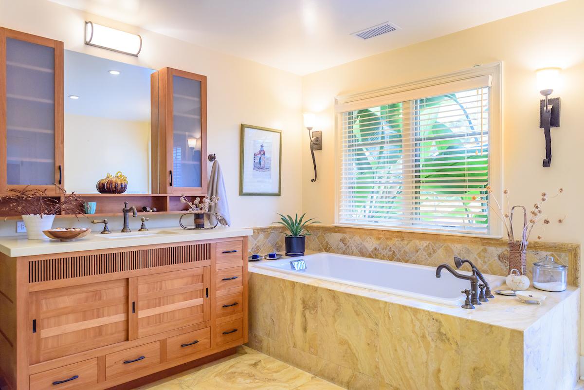 Juliana Carlsen Interiors - bathroom designer